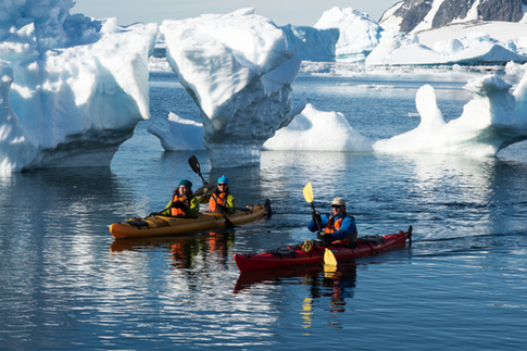 greg mortimer antarctica kayaking