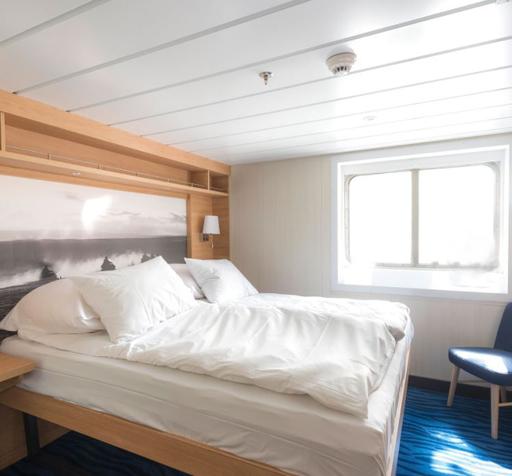 ms spitsbergen arctic superior cabin