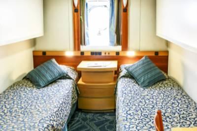 Ocean endeavour twin porthole cabin