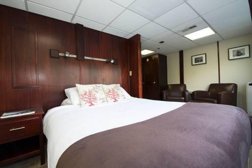 alaska dream cabin owner's suite