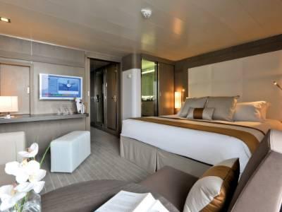 l'austral deluxe suite cabin