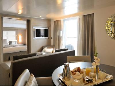 l'austral owner's suite cabin