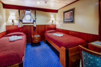 ocean adventurer Antarctica cruise lower deck twin cabin