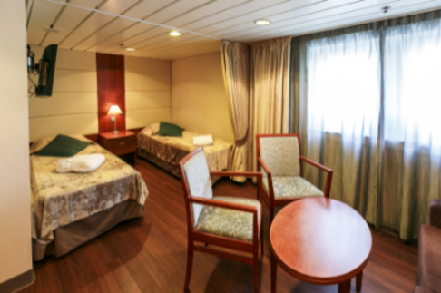 Ocean Endeavour Antarctica superior suite
