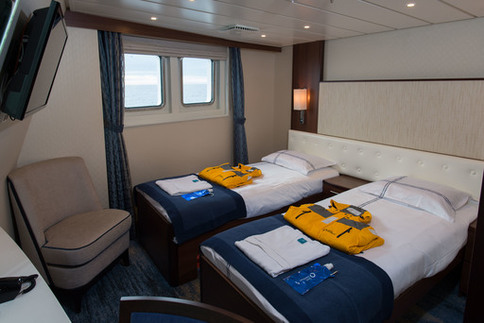 ocean adventurer deluxe twin cabin