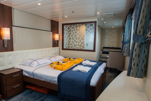 ocean adventurer owners suite twin cabin