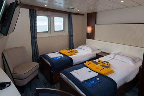 ocean adventurer deluxe twin cabin