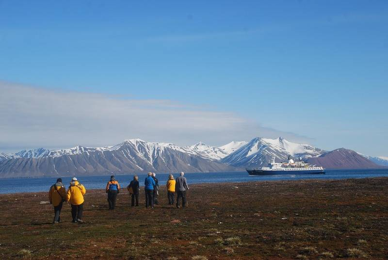 Hiking in Spitsbergen, Polar bear cruise