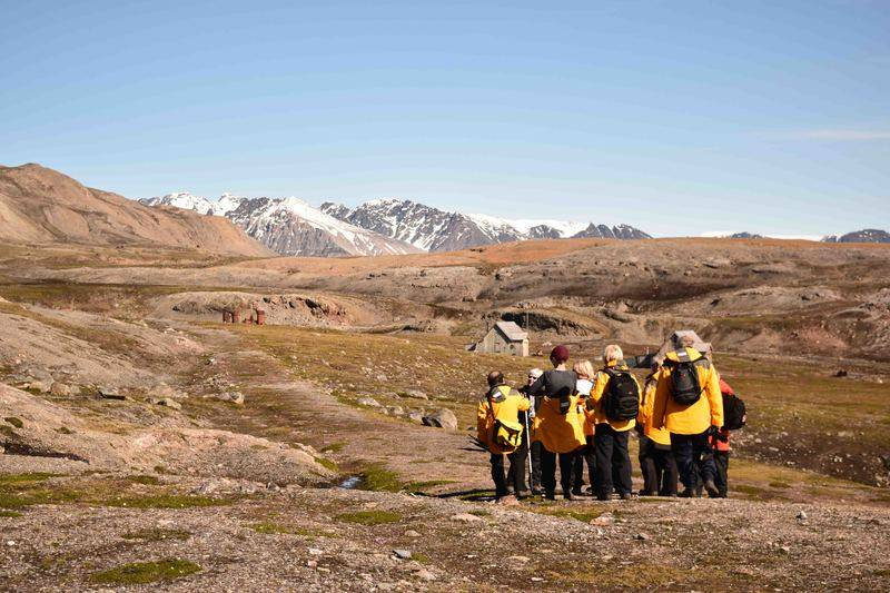 Hiking, Spitsbergen, Polar bear cruise