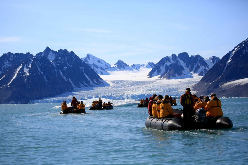 Arctic cruise, Spitsbergen, Polar bear cruise