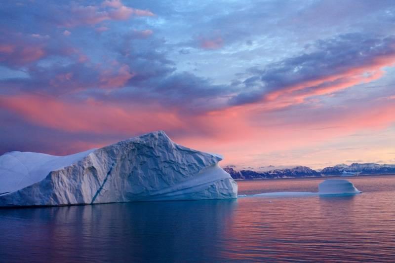 Arctic icebergs, Arctic cruise