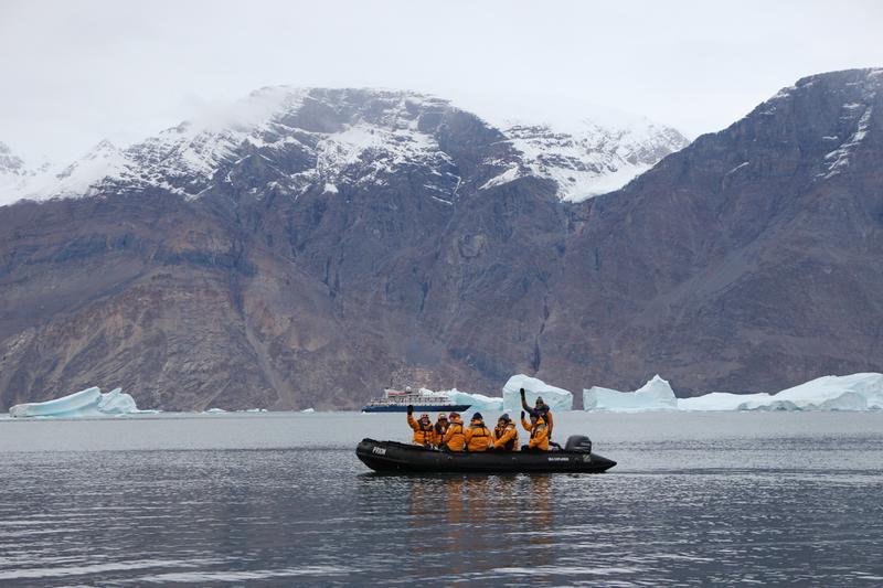 Zodiac cruise, Greenland Cruise