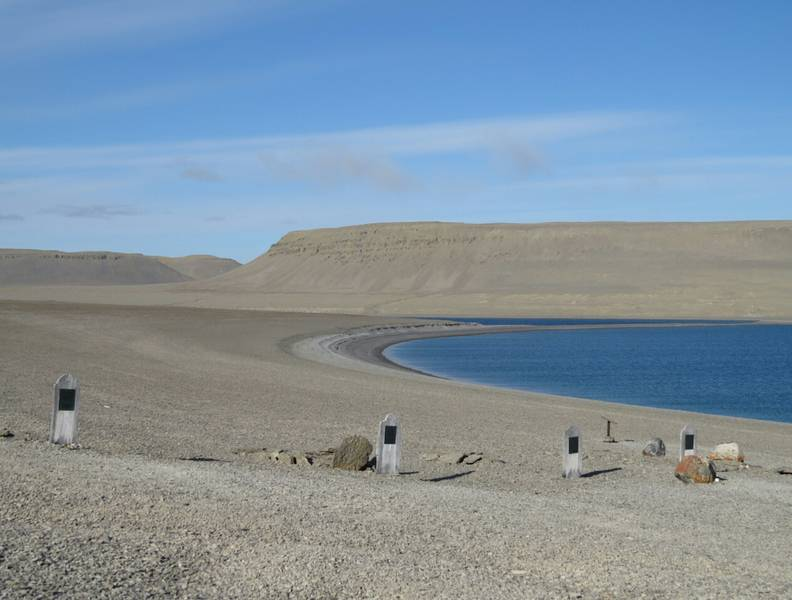 Barren graveyard landscape, Northwest passage cruise