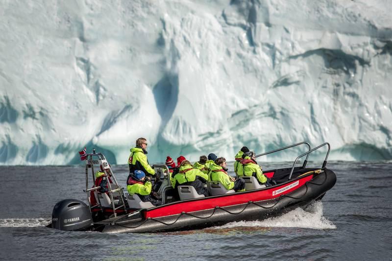 Zodiac cruise, Arctic cruise