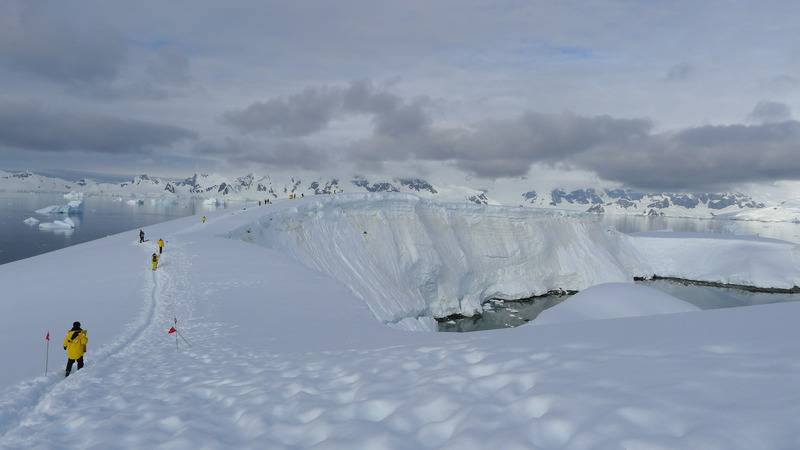 Antarctica hiking, Antarctica cruise