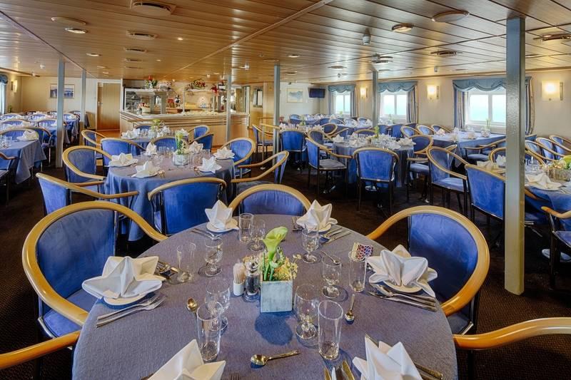 Ocean Nova dinning room, Cruise to Antarctica