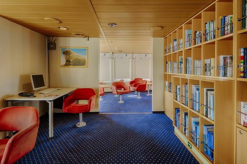 Ocean Nova library, Cruise to Antarctica