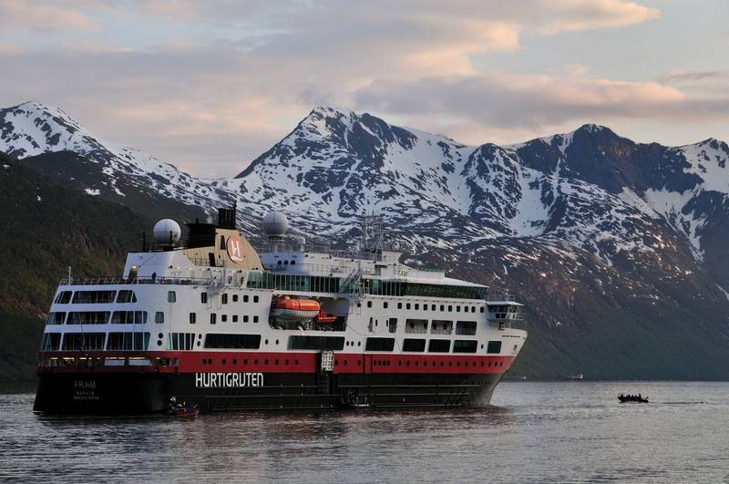Cruise ship in fjords, Cruise to Antarctica
