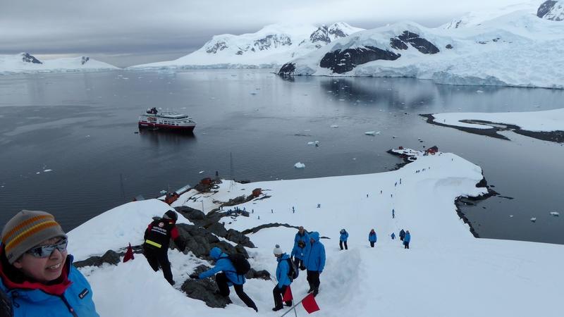 Fram passengers exploring Antarctica, Cruise to Antarctica