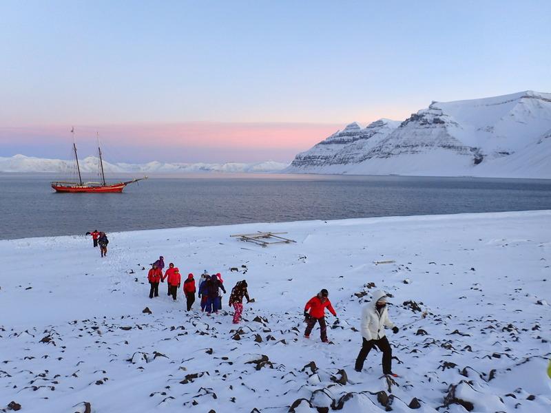 Noorderlicht, Arctic tourists, Arctic cruise