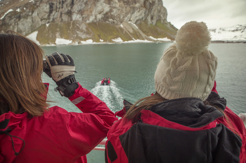 Arctic tourists, Arctic cruise