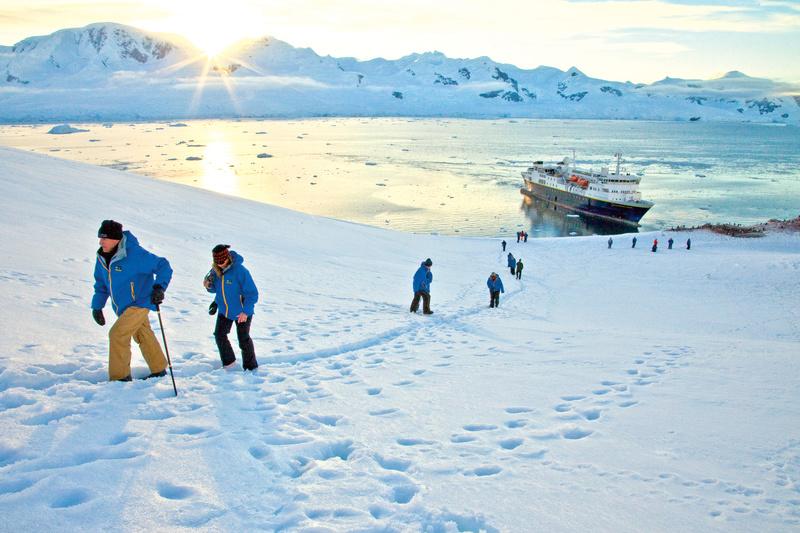Hiking in Antarctica, Cruise to Antarctica