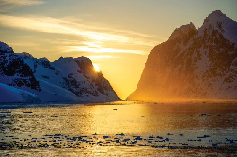 Antarctic sunset cruise, Cruise to Antarctica