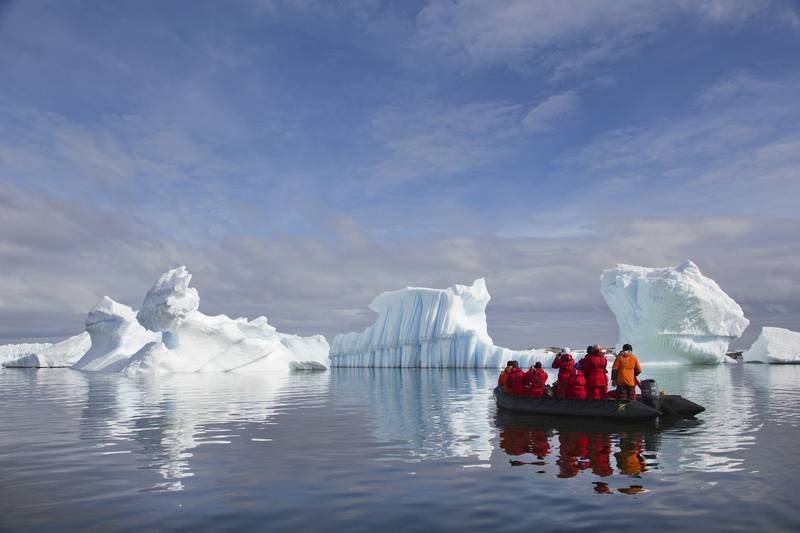 Zodiac cruise in Antarctica, Cruise to Antarctica