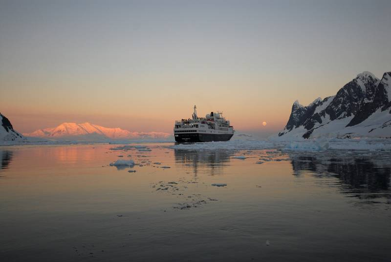 Antarctic twilight, Antarctic cruise ship