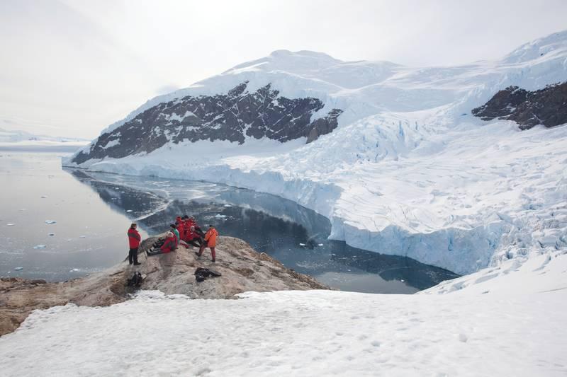 Exploring Antarctica, Cruise to Antarctica