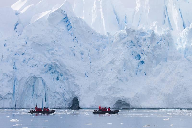 Zodiac cruise in Antarctica, Cruise to Antarctica