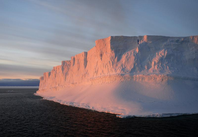 Tabular iceberg Antarctica, Antarctic cruise