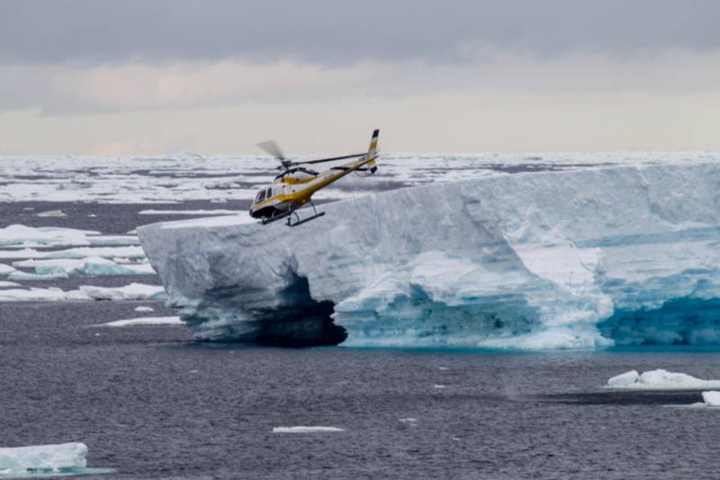 antarctica helicopter tour