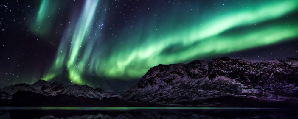 when to travel to the arctic
