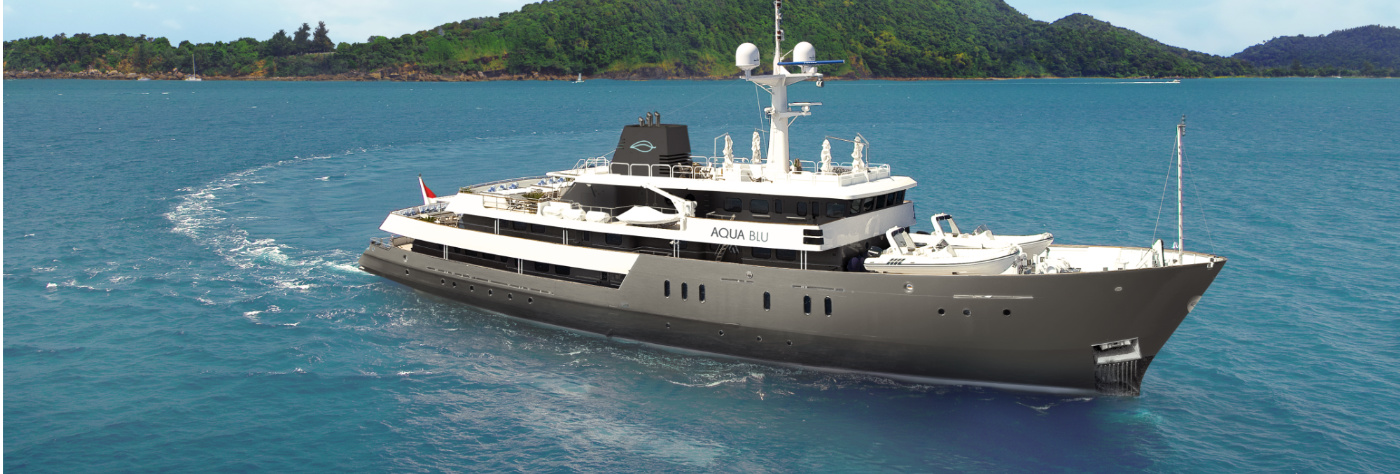 aqua blue expedition vessel indonesia