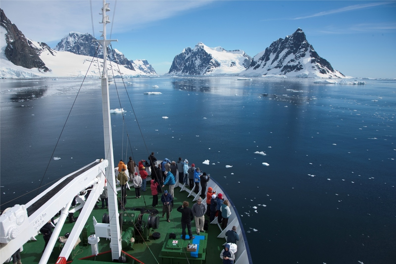 %c2%a9 andrew halsall antarctic peninsula lamaire channel courtesy of aurora expeditions